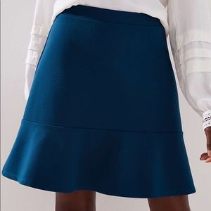 EVERYTHING $5! NWT LOFT ponte flippy skirt